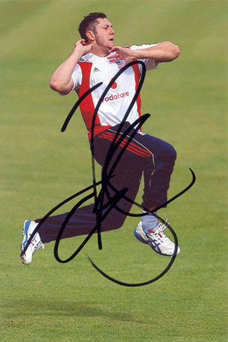 Tim Bresnan, Yorkshire & England, signed 6x4 inch photo.