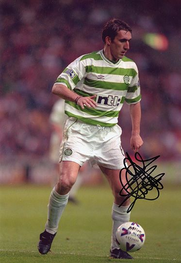 Alan Stubbs, Glasgow Celtic, signed 12x8 inch photo.(2)