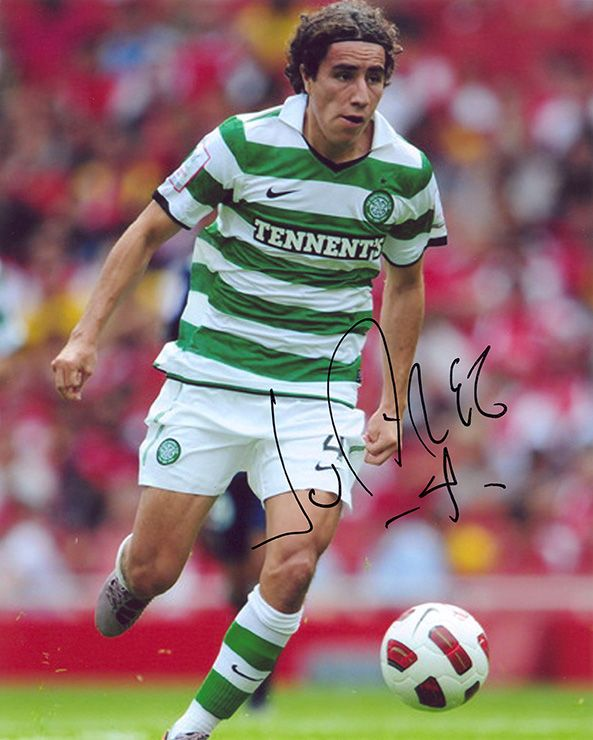 Efrain Juarez, Glasgow Celtic & Mexico, signed 10x8 inch photo.