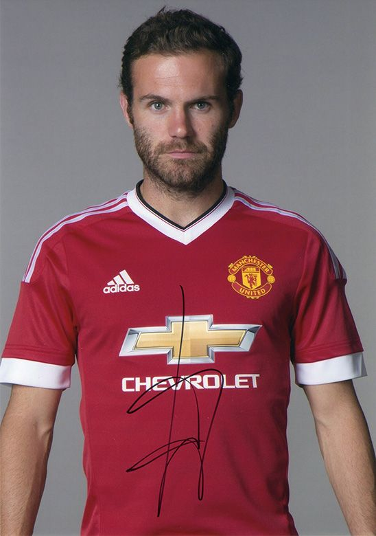 Juan Mata, Manchester Utd & Spain, signed 11.75x8.25 inch photo.