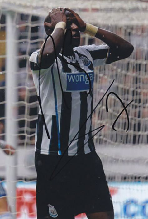 Moussa Sissoko, Newcastle Utd, France, signed 6x4 inch photo.