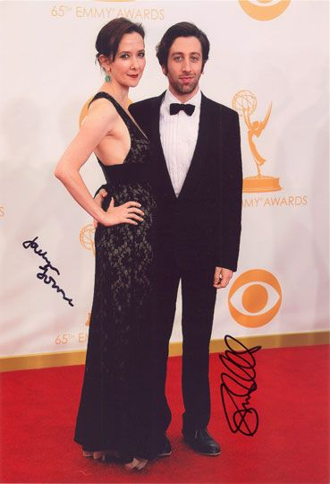Simon Helberg & Jocelyn Towne, signed 12x8 inch photo.