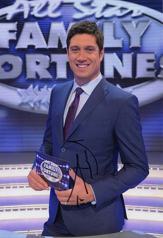 Vernon Kay, All Star Family Fortunes, signed 12x8 inch photo