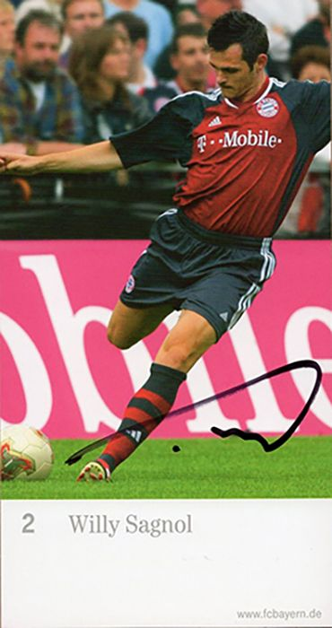 Willy Sagnol, Bayern Munich & France, signed 6.5x3.5 inch promo card.