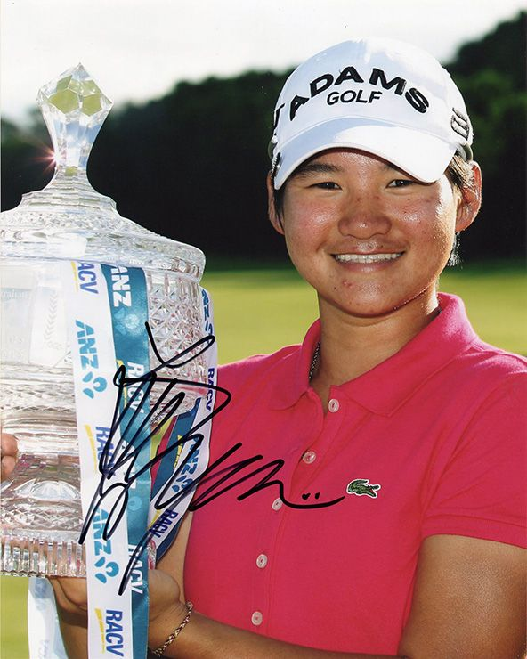 Yani Tseng, signed 10x8 inch photo.